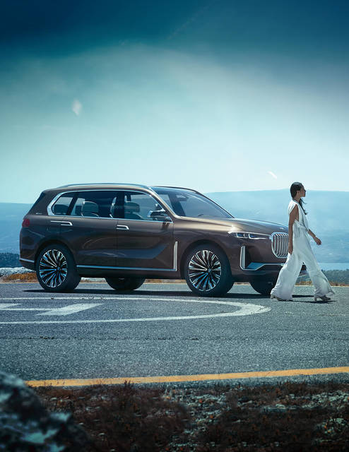BMW X7 Concept iPerformance - Concept Vehicle - BMW USA (15086)