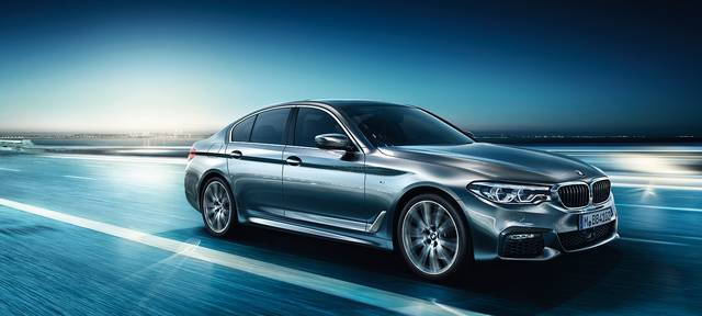BMW 5シリーズ セダン:イントロダクション (18000)