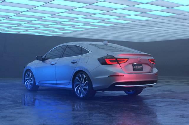 Honda | 2018年北米国際自動車ショーで新型ハイブリッド「INSIGHT(インサイト)」プロトタイプを世界初披露 (22041)
