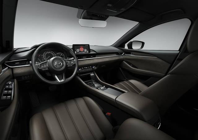 【MAZDA】マツダ、ジュネーブモーターショーで商品改良した「Mazda6」ワゴンを世界初公開|ニュースリリース (23430)