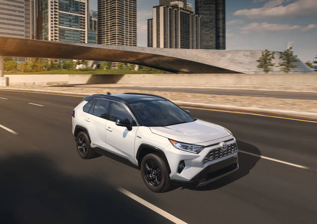 TOYOTA、ニューヨーク国際自動車ショーで新型RAV4を世界初披露 | TOYOTA | トヨタグローバルニュースルーム (26750)