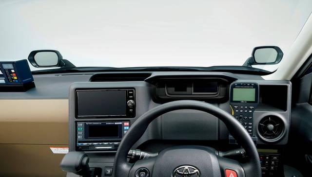ジャパンタクシーの運転席