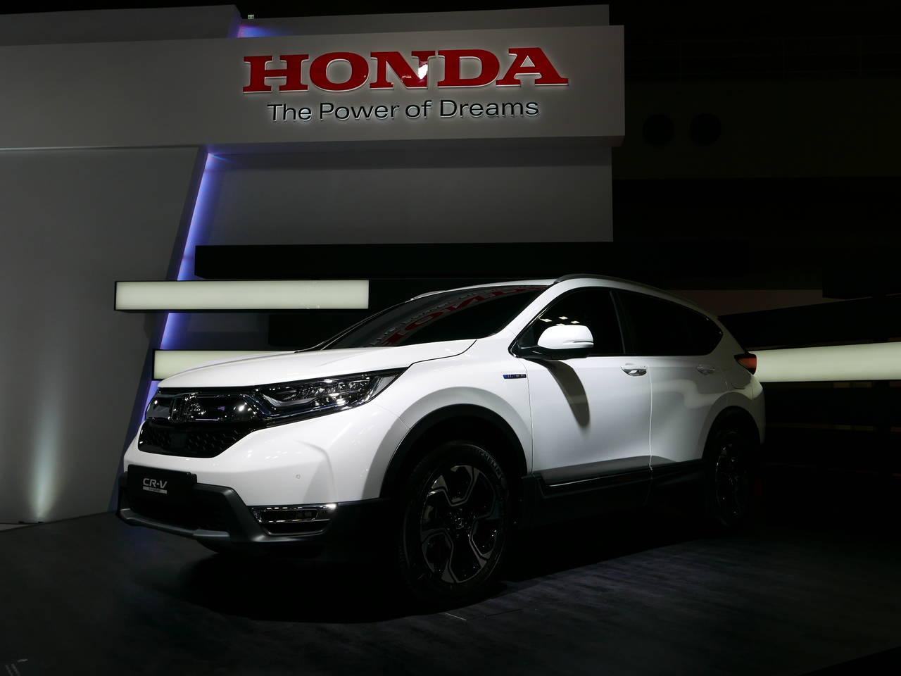 ホンダ新型CR-V(CRV)の発売日は2018年8月か!3列シート&ハイブリッドで復活なるか!価格や燃費も予想!