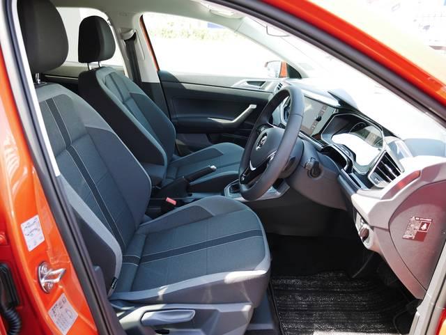 新型ポロのフロントシート