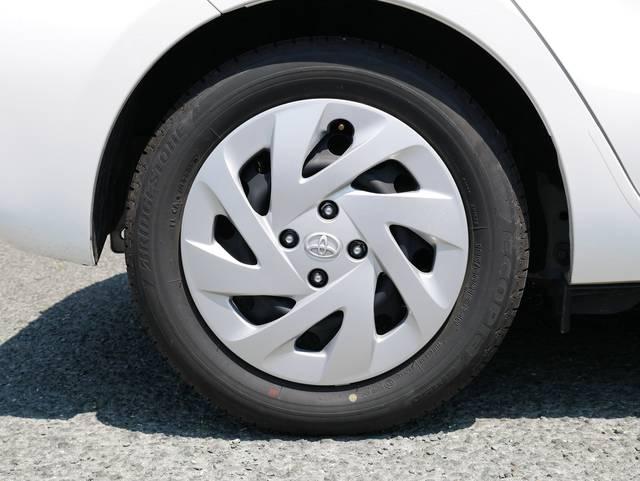 標準モデル Sに装着されていたタイヤは同じく185/6...