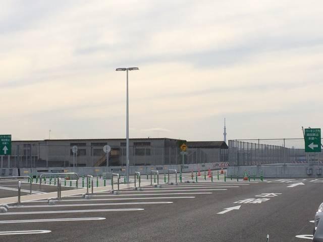 京葉市川PA(下り線)3F駐車スペース