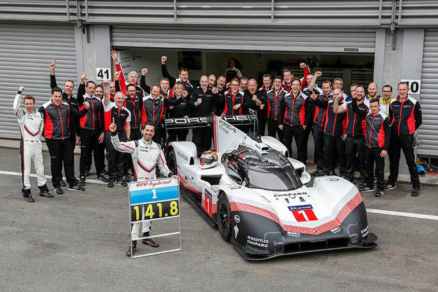 Porsche プレスリリースを読む: F1を超えたポルシェのハイブリッドレーシングカー - ポルシェジャパン (30143)