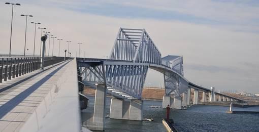 2012年竣工の東京ゲートブリッジ