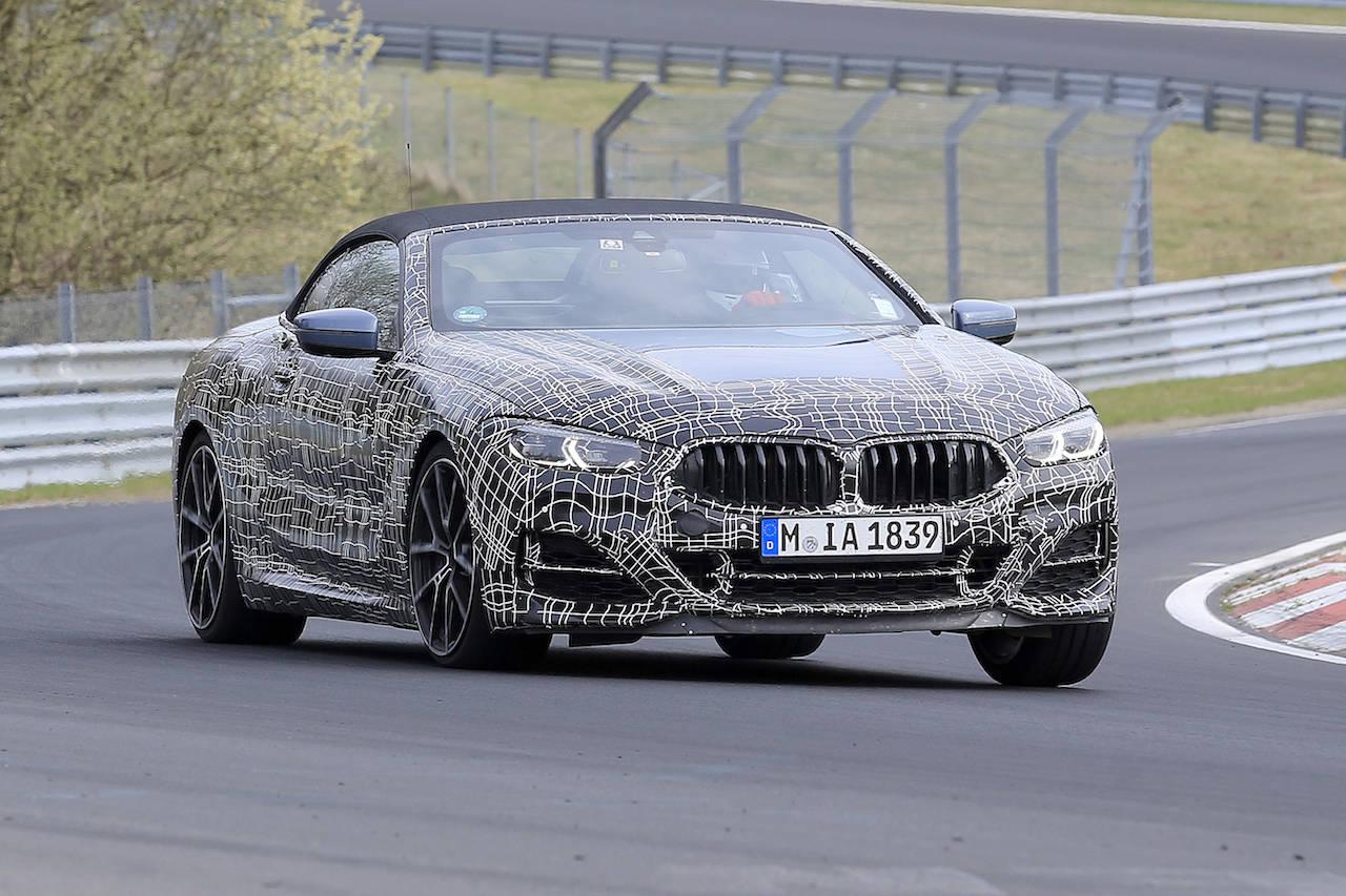 BMW「M850i」クーペ&カブリオレ最終開発車両がニュルで競演!