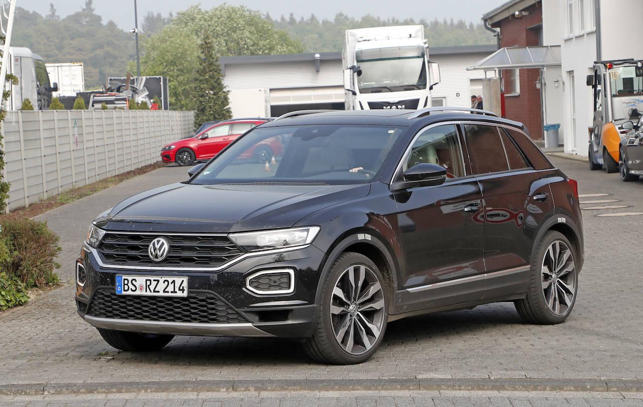 VW「T-ROC R」、史上最小にして310馬力の最強SUVをスクープ!