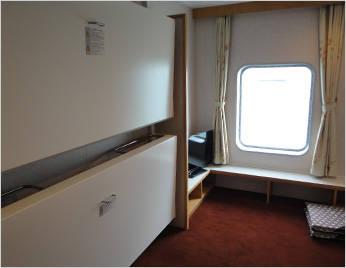 2名個室(窓付き)
