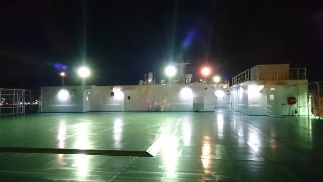 夜の展望デッキ