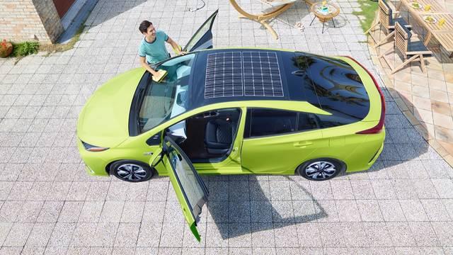 トヨタ プリウスPHV   走行性能   トヨタ自動車WEBサイト (32528)