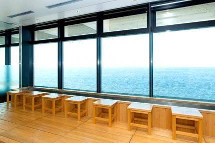 足ゆ | 食べる・買う・遊ぶ | 海ほたる~東京湾に浮かぶパーキングエリア (33633)