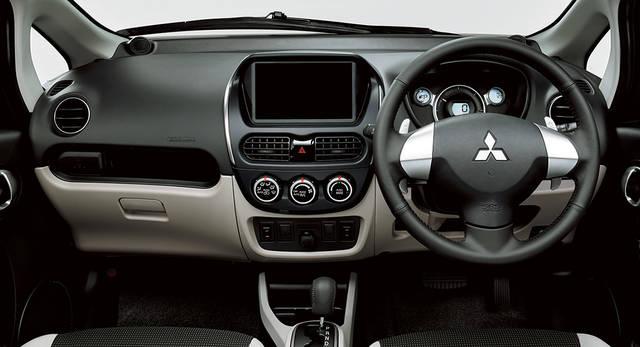 インテリア | i-MiEV | コンパクトカー | カーラインアップ | MITSUBISHI MOTORS JAPAN (39149)