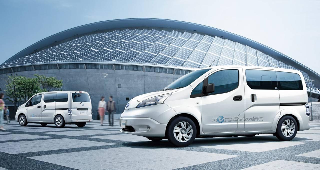 100%電気自動車を商用車にも!日産のe-NV200の魅力を紹介します!