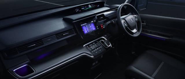 デザイン・カラー|インテリア|ステップ ワゴン|Honda (40725)