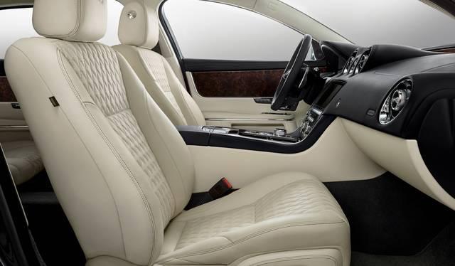 Jaguar Land Rover Japan Media Centre (43820)