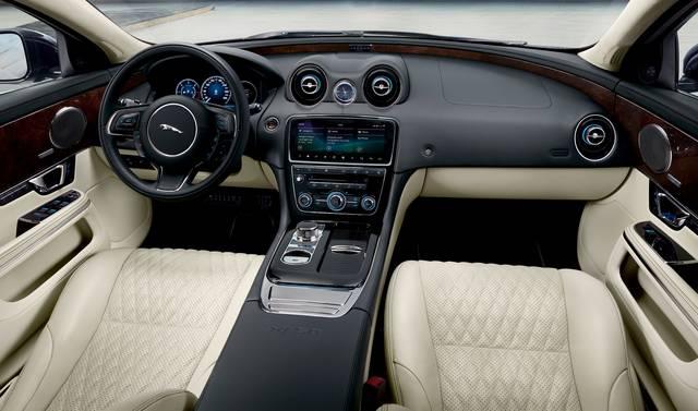 Jaguar Land Rover Japan Media Centre (43830)