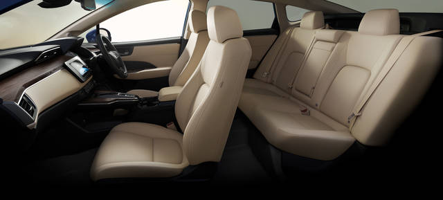 室内空間|インテリア|クラリティ PHEV|Honda (44494)
