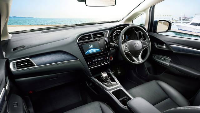 デザイン・カラー|インテリア|シャトル|Honda (45250)