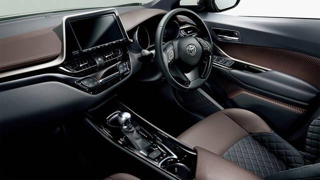 トヨタ C-HR | 室内 | トヨタ自動車WEBサイト (46067)