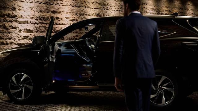 トヨタ ハリアー | 室内 | コンフォート | トヨタ自動車WEBサイト (47102)