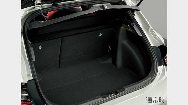 トヨタ カローラ スポーツ   ユーティリティ   スペース・収納   トヨタ自動車WEBサイト (47872)
