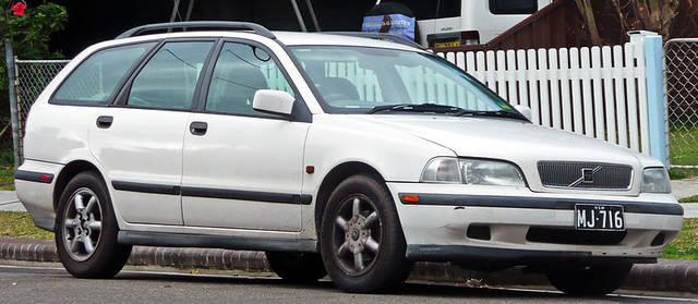 v40 初代モデル(1995年〜2004年)