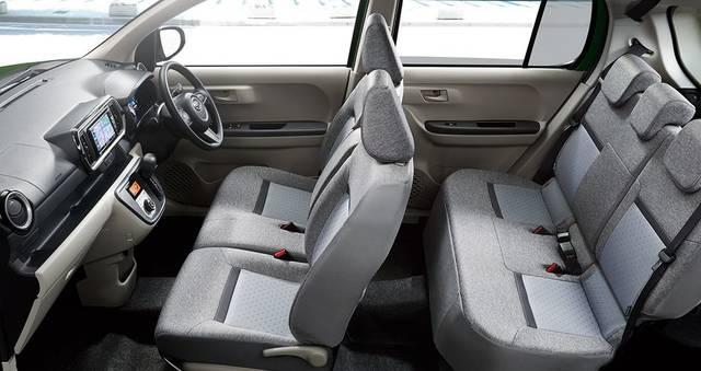 【公式】ブーンの車内空間と荷室|ダイハツ (48236)