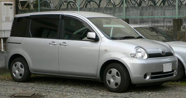 シエンタ 初代モデル(2003年〜2010年)
