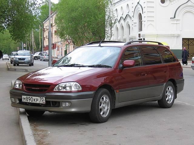 カルディナ 2代目モデル(1997年〜2002年)