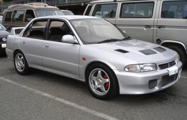 ランエボ 初代モデル(1992年〜1996年)
