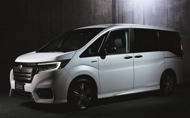 Honda | 「STEP WGN」に特別仕様車「BLACK STYLE」を設定し発売 (52863)