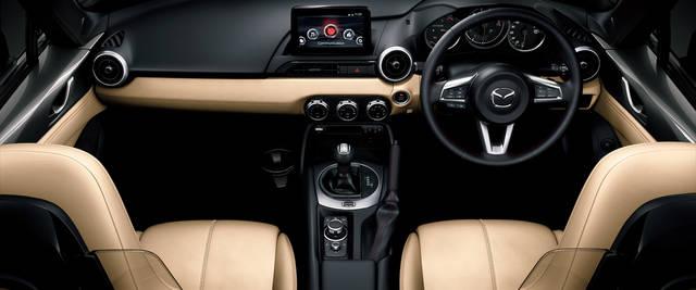 MAZDA ROADSTER RF|インテリア - 開放的でタイトな内装空間|マツダ (61514)