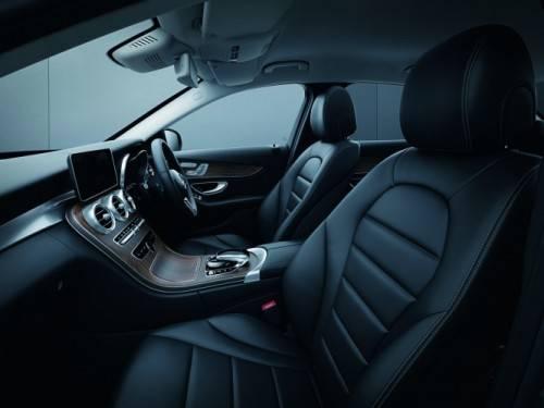 ・プラグインハイブリッドモデル「C 350 e アバンギャルド」を追加 ・特別仕様車ローレウスエディションを追加 ・装備・機能を一部改良 (65947)