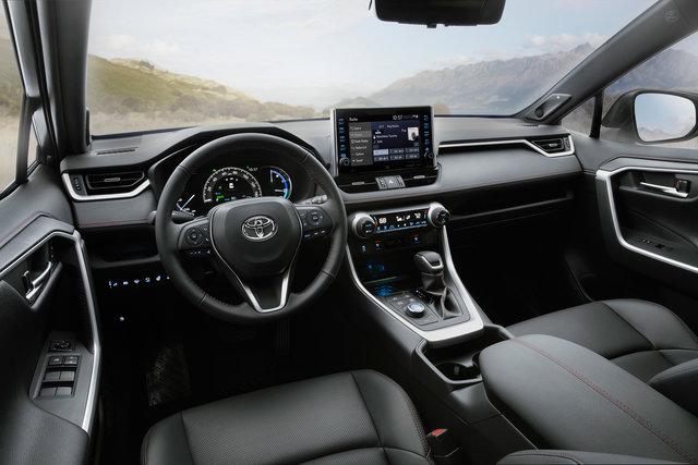 TOYOTA、ロサンゼルスオートショーでRAV4のプラグインハイブリッド車を世界初披露 | トヨタ | グローバルニュースルーム | トヨタ自動車株式会社 公式企業サイト (69707)