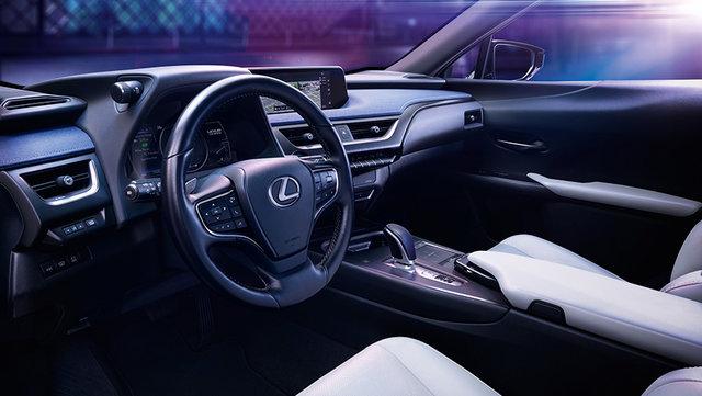 LEXUS初のEV市販モデル「UX300e」を世界初公開 | レクサス | グローバルニュースルーム | トヨタ自動車株式会社 公式企業サイト (69734)