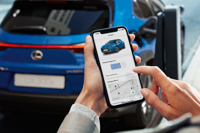 LEXUS初のEV市販モデル「UX300e」を世界初公開 | レクサス | グローバルニュースルーム | トヨタ自動車株式会社 公式企業サイト (69741)