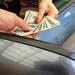 意外と知らない「軽自動車を安く買う方法」知らなきゃ損する3つの裏ワザ! - chibica (チビカ)