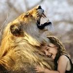 """「動物ゲキレアハンター」で筧美和子が""""リアル""""美女と野獣に挑戦!奇跡の2ショットに称賛"""