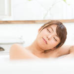 お風呂でおしっこ!男性よりも女性の方が高割合という結果に【4.8万人が回答】