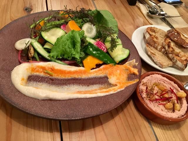 サスティナブル野菜のディップサラダと北海道産大豆とビー...