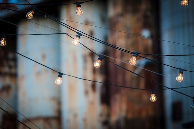 Free photo: Light Bulbs, Wire, Hanging, Many - Free Image on Pixabay - 1875268 (1066)
