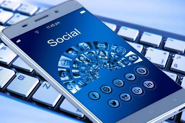 Free illustration: Mobile Phone, Smartphone, Keyboard - Free Image on Pixabay - 1917737 (2318)
