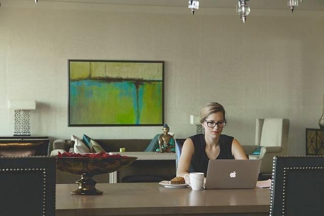 Free photo: Laptop, Woman, Coffee, Breakfast - Free Image on Pixabay - 943559 (3093)
