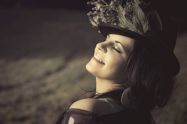 Free photo: Beauty, Woman, Flowered Hat, Cap - Free Image on Pixabay - 354565 (3477)
