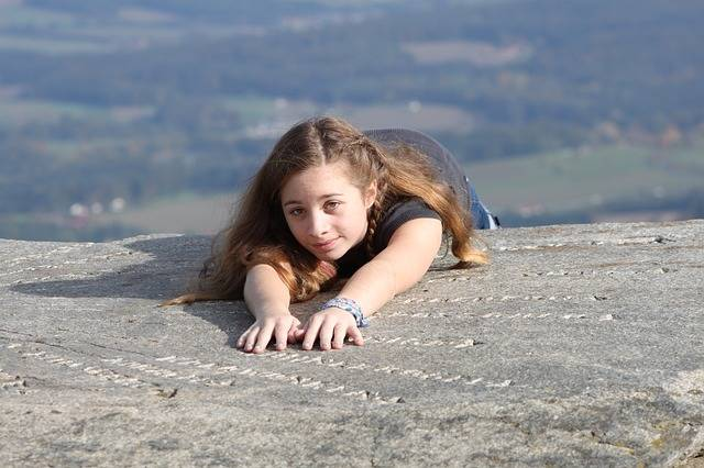 Free photo: Girl, Mountain, Abyss, Down Fall - Free Image on Pixabay - 1550987 (3505)