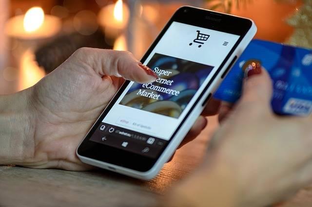 Free photo: Holiday Shopping, Smartphone, Phone - Free Image on Pixabay - 1921658 (3717)