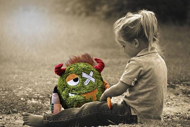 Free photo: Little Girl, Toddler, Sitting - Free Image on Pixabay - 1611352 (4607)